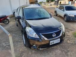 Nissan Versa 1.6 2014