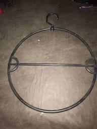 Cabide de biquíni giratório e fixo