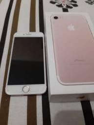 Vendo ou troco com volta em dinheiro iPhone 7