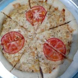 Esfirra aberta e pizza