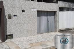 Título do anúncio: Casa no Benedito Bentes, 2 quartos, com vaga para dois veículos.