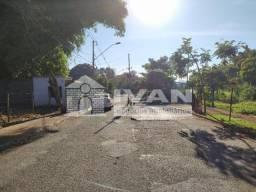 Título do anúncio: Apartamento para alugar com 3 dormitórios em Jardim patricia, Uberlandia cod:L48336