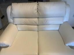 Sofá de couro super bem cuidado e com ótimo preço