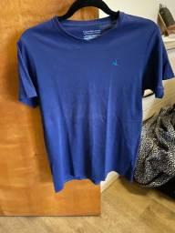 Camiseta Calvin Klein 18-20 anos