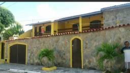 Casa 2/4 condomínio Itapuã