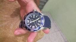 Vende-se dois relógios Magnum original pelo preço de um