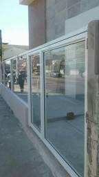 Tudo em vidro temperado ( blindex)
