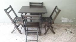 Mesas e cadeiras de fechar