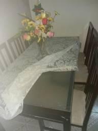Linda mesa em madeira por 500 reais