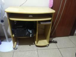 Mesa para computador e afins