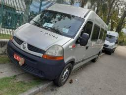 Vendo Renault master ano 2012/2013 único dono. alongada - 2012