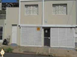 Excelente Casa Para Aluguel com 3 Quartos no Bairro Sao Benedito