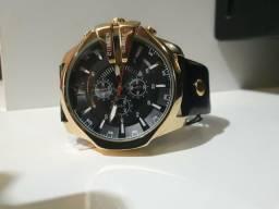bacb8eba3a1 Relógio Curren dourado importado pulseira de couro barato para acabar!