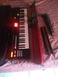 Vendo esse teclado ou Trok dependendo da volta