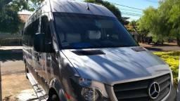 Van Sprinter 415 Executiva Longa 19 Lugares
