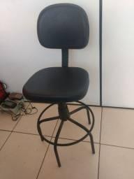 Balcão recepção e cadeira alta giratória - simi novos