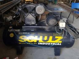 COMPRESSOR DE AR SCHULZ - MSV 20/250 MAX - 20 PES 250 LITROS 175 LIBRAS  TRIF<br>R$ 4.500<br>