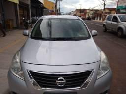 Nissan Versa SL ano 2013 Ribeirão preto SP