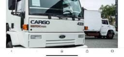 Cabine Ford cargo 4331 completa branca sem detalhe!