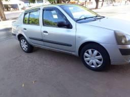 Clio sedan 2006 vendo ou troco em outro carro