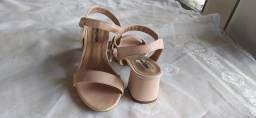 Título do anúncio: Sandália Salto Bloco Baixo Salto Grosso Nude Feminino Moça Fashion