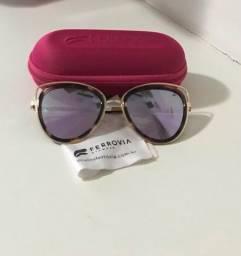 Título do anúncio: Óculos de sol feminino Ferrovia seminovo