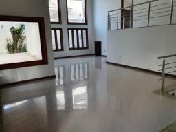 Vendo uma linda casa com 3 suítes sendo 1 com closet no Village Porto Seguro - BA