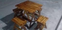 Conjunto de mesa em madeira montaveis para area de lazer