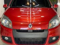 Renault Sandero 2014 - Impecável - Baixissima Km