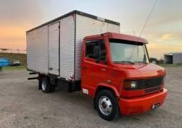 Título do anúncio: Caminhão Mb 710