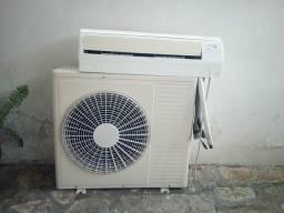 Título do anúncio: Ar Condicionado Split Inverter 18 MIL BTU. Funciona perfeitamente