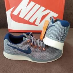 Título do anúncio: Tênis Nike Tanjun Racer Tam 36 & 37 (original / novo)