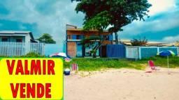 Casa duplex rústica, estilo pousada, 06 quartos, 04 suítes, frente para praia