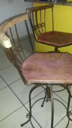 Cadeiras de madeira e ferro, giratórias, para cozinha,bar etc.