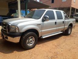 Camionete F250 XLT 4X4 super conservada - 2007