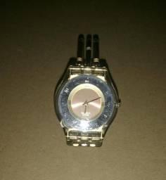 4c4faf4d295 Relógio swatch dourado original