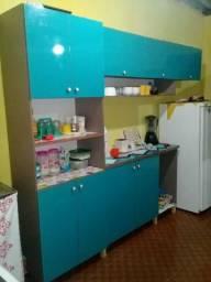 Armário de cozinha top seme novo com material laqueado