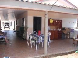 Vendo ou troco casa perto do viaduto em ji-parana, por outra em Ouro Preto do Oeste