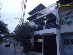 Apartamento com 6 dormitórios sendo um com suite - Lobato.