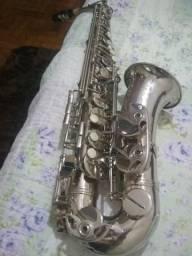 Vendo 1 sax alto relíquia E.M WINSTON niquelado americano década de 80