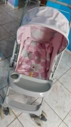Carrinho de bebê menina