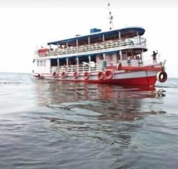 Barco transporte e carga