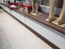 Móveis para loja de confecção