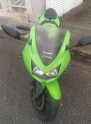 Título do anúncio: Ninja 250R cc aceito troca