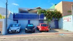 Prédio Comercial com 589,80m² no Salgado Filho