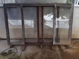 Vendo janela de madeira de itauba