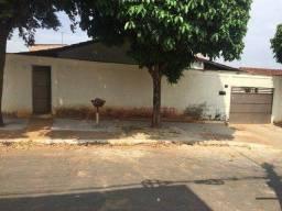 Casa com 3 dormitórios à venda, 240 m² por R$ 250.000,00 - Parque Atheneu - Goiânia/GO