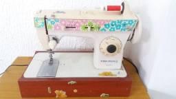 Maquina de costura Bom estado