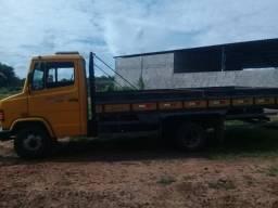 Vendo caminhão - 2011
