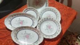 Jogo de jantar clássico de porcelana real